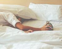 Во сколько нужно ложиться спать, чтобы проснуться самому без будильника?