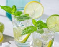 13 поводов начать пить лимонную воду