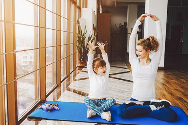 Прекрасный способ держать себя в форме— фитнес йога