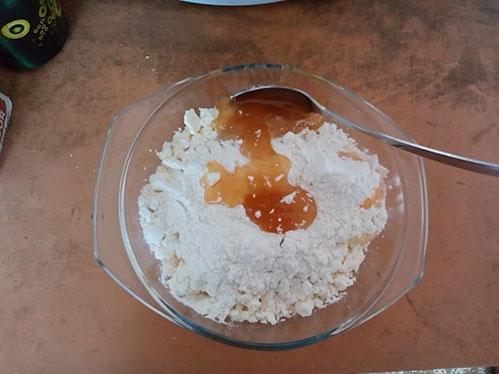 Творог мука мед соль яйцо