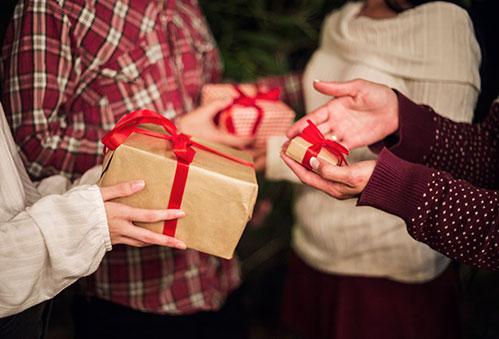 Подарки и руки