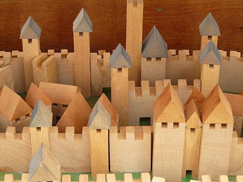Деревянный замок