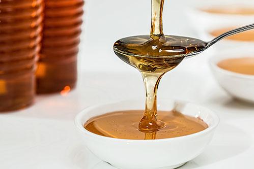 Мёд на ложке