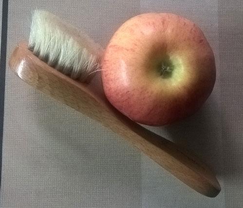 Щеточка для массажа лица