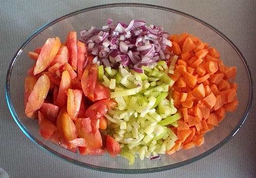 Красиво нарезанные овощи