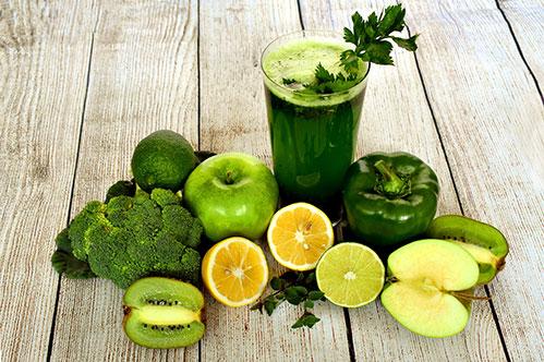 Овощной зеленый сок