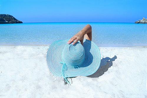 Море девушка шляпа пляж
