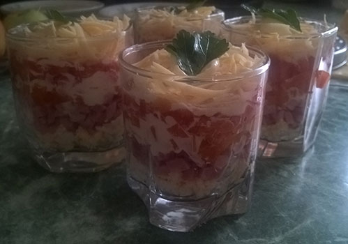 Салат в стаканах