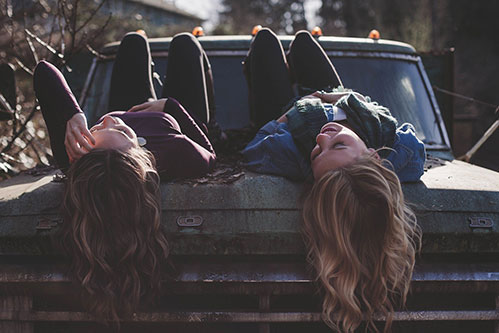 Девушки на машине