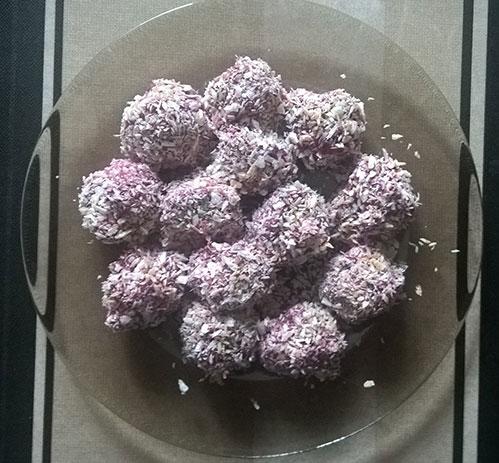 Вишнёвые конфеты с семечками и мёдом