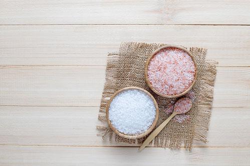 Розовая гималайская соль и морская