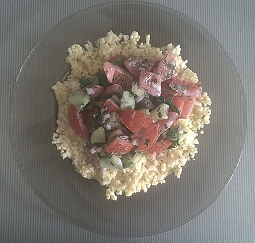 Пшенка и салат помидорами и огурцами