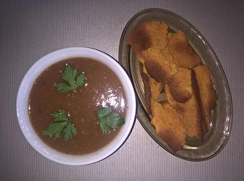 Томатный суп с рисовыми хлебцами